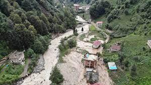 Rize'de sel felaketinin verdiği zarar görüntülendi