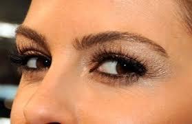 0207 maria menounos super bowl eyeshadow zoom bd