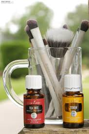 how to clean makeup brushes with essential oils from recipeswithessentialoils