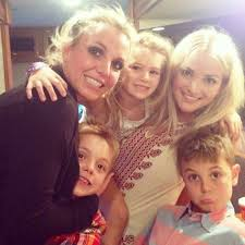 Britney Spears Enjoys ''Family Time'' After Niece Maddie Returns ...