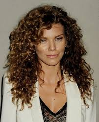 easy hairstyles for naturally curly hair