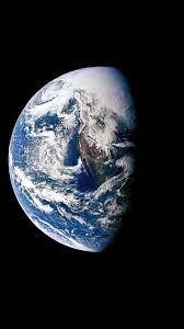 Iphone Earth Wallpaper 4K Download ...