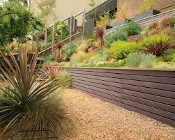 Backyard Retaining Wall Designs Creative