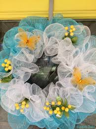 make a pretty deco mesh spring wreath for just 8