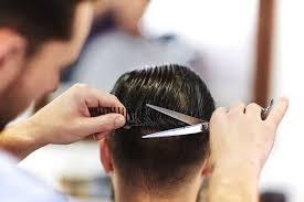 Hindari model rambut yang terlalu pendek, terutama model tomboi agar rahang dan sisi samping wajah tidak terkesan kaku dan terlalu tegas. Ini Dia Model Rambut Pria Sesuai Bentuk Wajah Priceprice Com