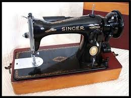 Singer Sewing Machine 221