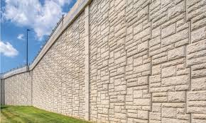 reinforced earth is the reinforced earth company s flagship mse retaining wall product first introduced in the united states in 1971