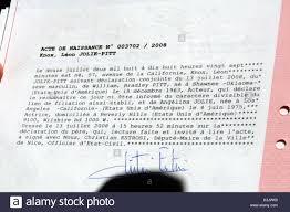 Birth Certificate Brad Pitt And Angelina Jolies Doctors Give Press