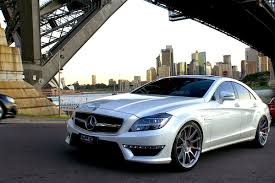 white cls 63 amg with hre wheels 7.jpg 1.200 800 p xeles Motor.