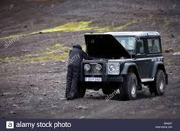 Land Rover Defender 90 300TDI broken down in the interior ...