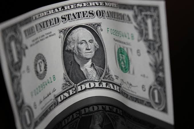 Dolar Melemah Pada Hari Kamis