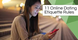 12 Online Dating Rules for Women Men (Etiquette, Texting