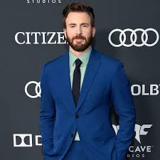 Chris Evans Trends on Twitter After Appearing to Post, Delete a Nude Pic