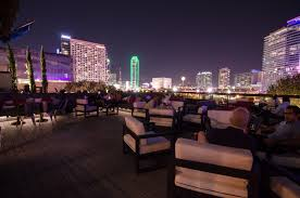 The Living Room Bar Dallas The 18 Best Rooftop Bars In Dallas