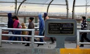 The Border Us 'split Inside City Of mexican ' El Future rwHRIr