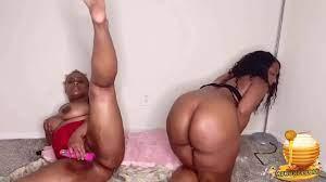 Ebony Big Pussy Masturbation