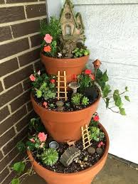fairy gardens. What Kind Of Plants To Use In A Fairy Garden Best Pots Ideas On Mini And Broken Pot Do You Gardens