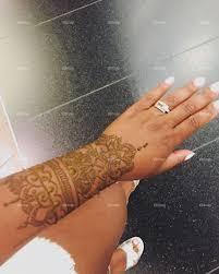 Foapcom Professional Henna Tattoo In Dubai Mall Stock Photo By
