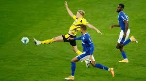 Wer zeigt / überträgt Schalke 04 gegen Borussia Dortmund live im TV und  Livestream?
