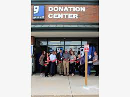 goodwill opens new location in minooka
