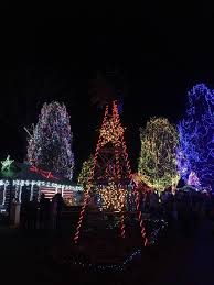 Walnut Court Santa Rosa Christmas Lights Caswell County Christmas Lights Display Mzwtrn Mirnewyear Site