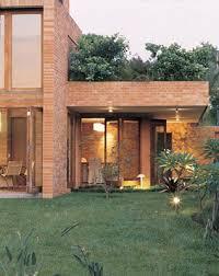 O moderno e antigo se juntam nas fachadas de casas com tijolinhos! 27 Ideias De Fachada Tijolinho Fachadas De Casas Tijolo Casas