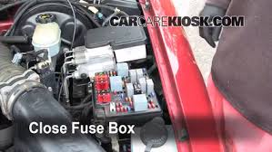blown fuse check 1998 2005 chevrolet blazer 1999 chevrolet 6 replace cover secure the cover and test component