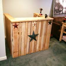 Bar Made Out Of Pallets Easy Diy Pallet Bar