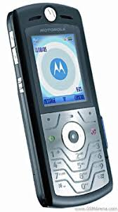 motorola flip phone 2007. although it featured a circular display and stainless steel shell, what really differentiated from other motorola phones was the 180-degree rotating flip phone 2007