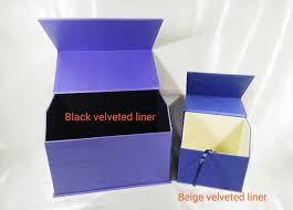 the sizes are a 21 5 x 12 x 15 5cm height with a black velvet padding within and a smaller box of 12 x 8 x 11 5cm height with a beige velvet padding