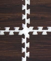 com clevr interlocking eva gym foam floor mat tiles 24 x 24 protective flooring for gym equipment includes tile borders light oak or dark