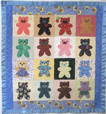 Simple bear block applique pattern & Here is a quilt that Threadheads made using this technique: Adamdwight.com