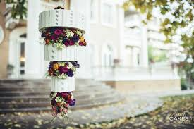 hanging flower chandelier cake avalon cakes1