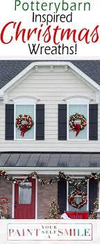 25+ unique Window wreaths ideas on Pinterest | Christmas wreath on ...