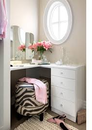 vanity table for small space. how to design and decorate a small bedroom vanity table for space