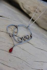 wire wrapped heart pendant wow this could be a marvelous present for valentine s day and of course you can also make it for your beloved ones