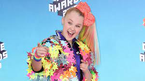 JoJo Siwa Comes Out as Gay After 'Born ...