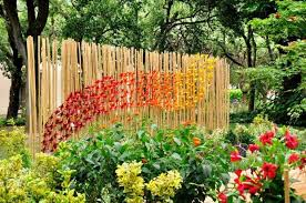 Over 30 Decoration Ideas For The Garden Fence Which Are A