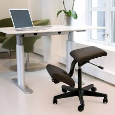 Modern Kneeling Chair For Minimalist Home Office (Image 11 of 16)