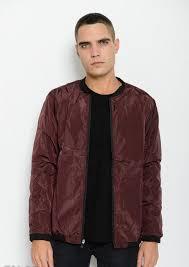 Бордовая однотонная <b>куртка</b> на молнии с заклепками у горла ...