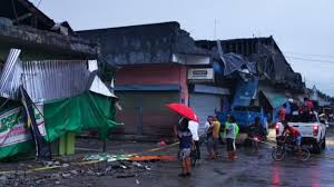 Office staff panic as 6.6 magnitude earthquake hits. Philippines Earthquake 6 Year Old Girl Among 3 Killed