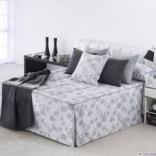 bedspread gray flowers with flyers