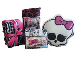 Monster High Bedroom Decorations Monster High Comforter Set For Girls What A Fun Idea For That