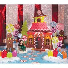 Pin by Alejandra Viquez Murillo on Happy Elf Sets | Candy land christmas,  Christmas parade floats, Candyland birthday
