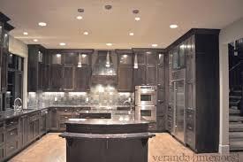 Kitchen with U shaped island modern-kitchen