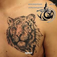 фото татуировки тигр в стиле черно белые татуировки на груди