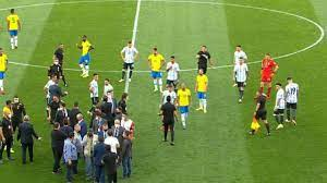 السعودية نيوز | إيقاف مباراة البرازيل والأرجنتين بعد انطلاقها بدقائق بسبب  وزارة الصحة