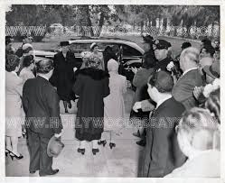 the humanitarian hat ida greets first lady eleanor roosevelt  my