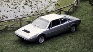 340 cv a 6.200 rpm; Ferrari Dino 308 Gt4 El Cavallino Anomalo