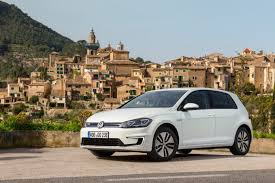 2018 volkswagen e golf range. delighful range day a volkswagen egolf stood ready to take me the race track ahead  of me 68kilometer commute with 300 kilometers allelectric driving range  with 2018 volkswagen e golf r